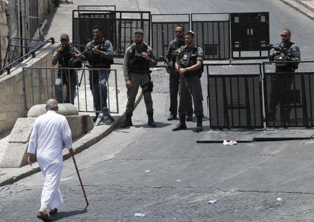ادامه حملات اسرائیل به نمازگزاران مسجد الاقصی + فیلم