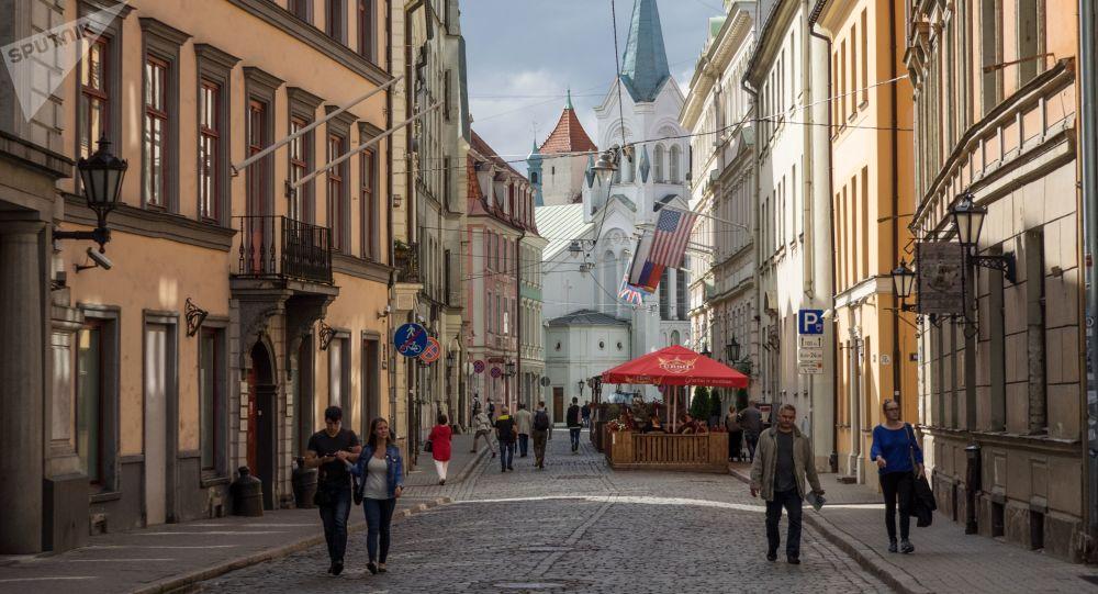 ممنوعیت ورود به فروشگاه ها بدون واکسیناسیون علیه کرونا در یکی از کشورهای اروپایی