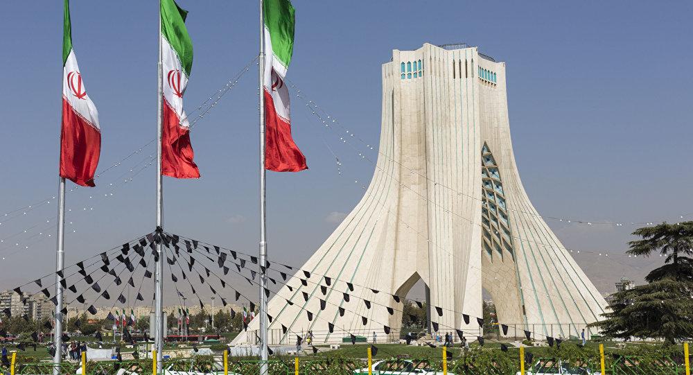 کاندیدای کفن پوش در ستاد انتخاباتی ریاست جمهوری ایران + تصاویر