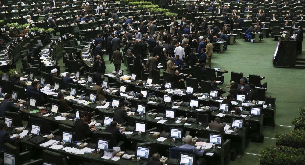 انتقاد از عملکرد دولت ایران در رابطه با افزایش بیمحابای قیمت کالاها