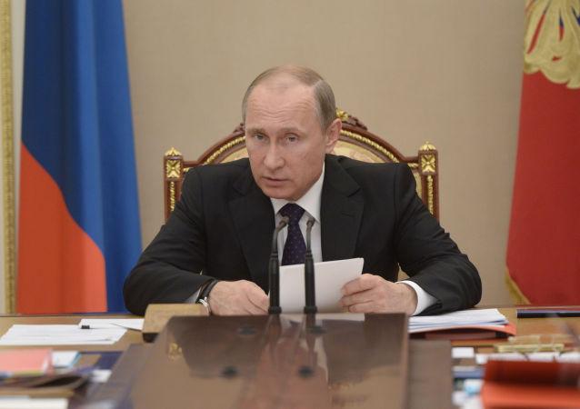 پوتین: بازداشت مسئولان فیفا تلاش آمریکا برای گسترش حاکمیتش بر دیگر کشورها است