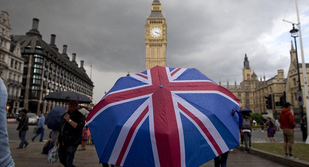 هر بریتانیایی که بدون دلیل موجه از کشور خارج شود، 5000 پوند جریمه می شود