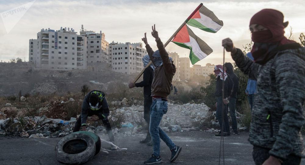 تظاهرات ساکنین کرانه باختری علیه تشکیلات خودگردان فلسطین