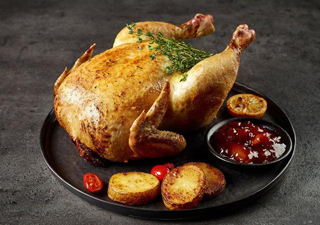 مرغ دارای رایحه پای زن در صورت غذای رستوران های ژاپن