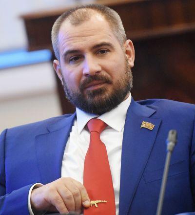 ماکسیم سورایکین: به پیش به سوی گذشته درخشان شوروی