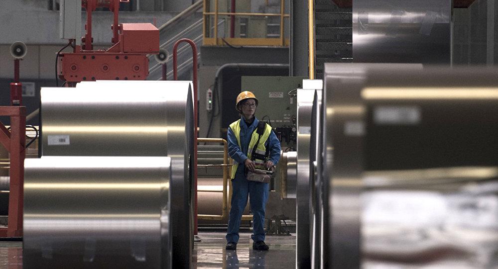 فرانسه از آمریکا خواست تا تعرفه فولاد را لغو کند