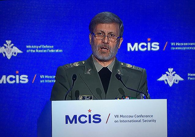 وزیر دفاع ایران: قدرت دفاعی ایران حاوی پیام صلح و دوستی است