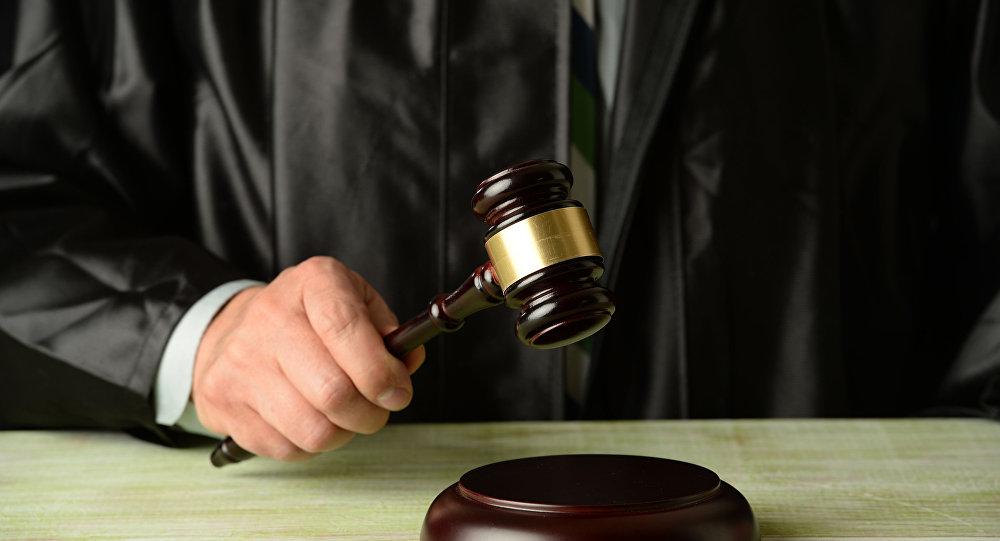 چرا خانم میلیونر 94 ساله از نوه هایش  به دادگاه شکایت  کرد؟