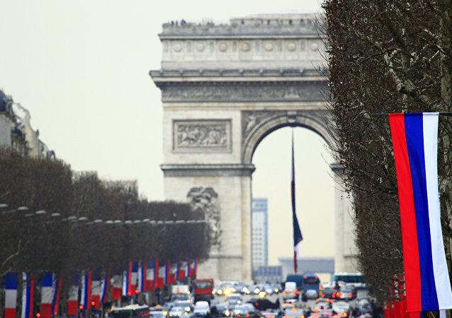 آیا فرانسه سودای تغییر رژیم ایران را در سر دارد؟