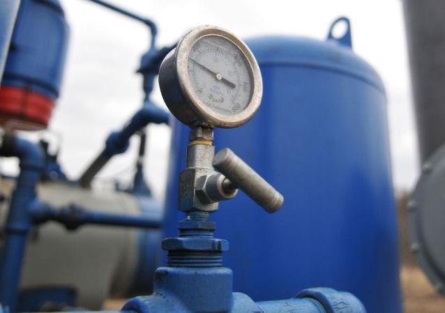 رسانه: آمریکا می خواهد ایران و روسیه را از بازار گاز خارج کند