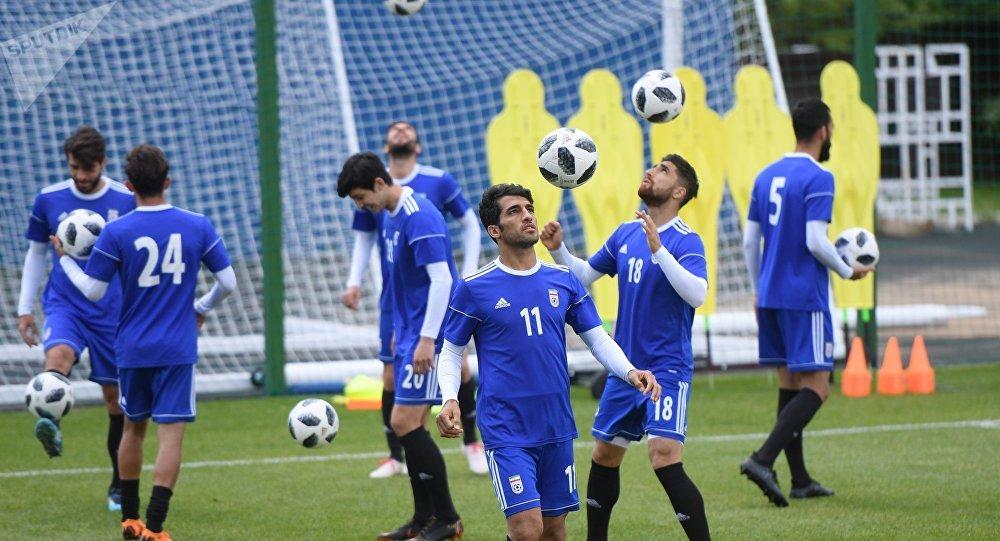 رختکن تیم فوتبال ایران پس از پیروزی + عکس
