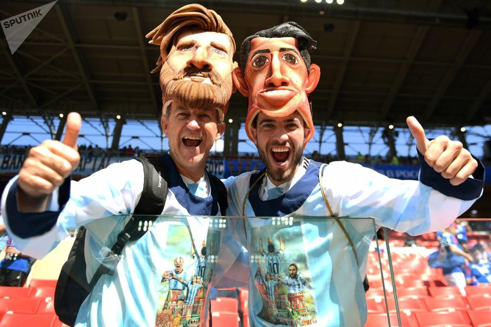 هواداران تیم ملی آرژانتین قبل از بازی مرحله گروهی بین تیم های آرژانتین و ایسلند