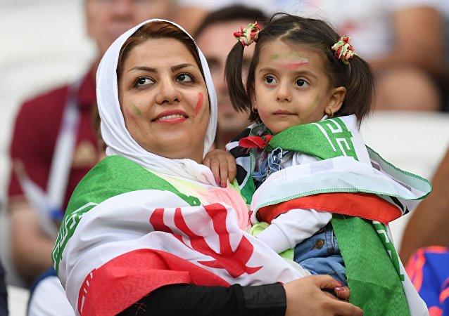 اگر ایران از 100 میلیارد دلار درآمد نفتی خود محروم نمی شد، چه کارها می توانست برای ایرانیان بکند؟