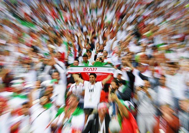 Болельщики перед матчем ЧМ-2018 по футболу между сборными Ирана и Испании