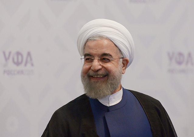 آرزوی روحانی برای پیروزی تیم ملی بر پرتغال + عکس