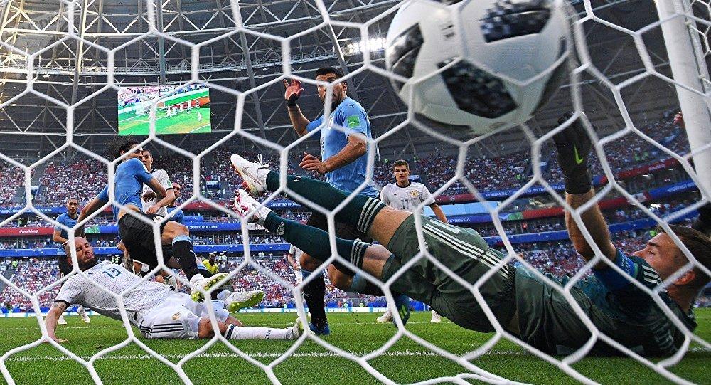 تیم فوتبال روسیه به تیم فوتبال اروگوئه باخت