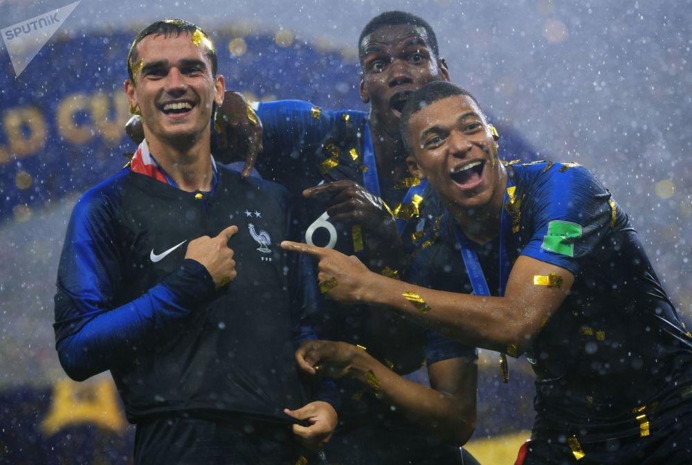 آنتوآن گریزمان  ،پل پوگبا و کیلیان مباپه فوتبالیست های فرانسوی