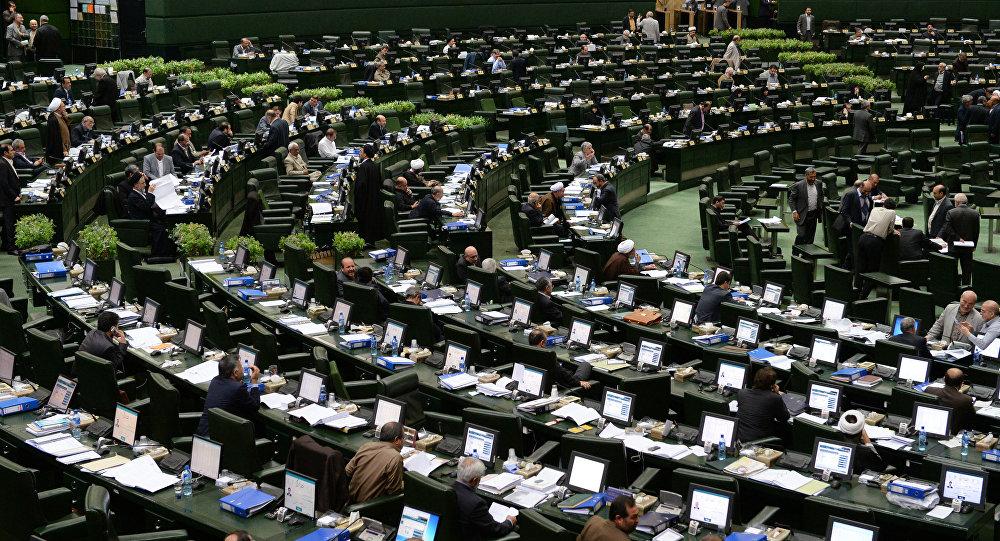 پبام مثبت تصویب ارز ۴۲۰۰ تومانی برای کالاهای اساسی