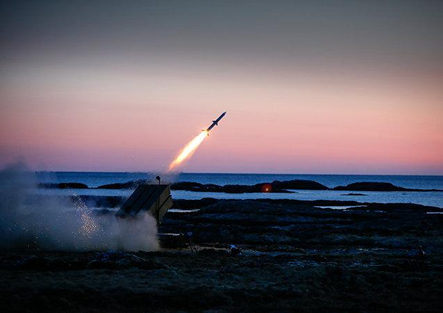 سفارش آمریکا برای تولید موشک های برد متوسط