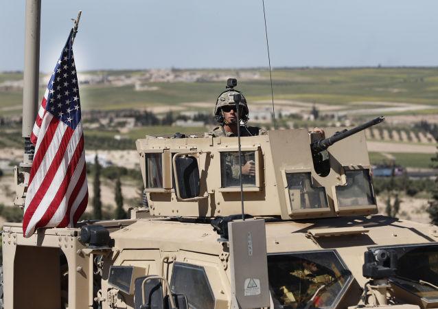 وزارت دفاع آمریکا: نیروهایمان را از سوریه خارج نمیکنیم