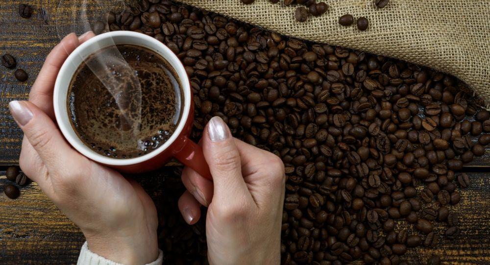 نوشیدن قهوه در صبح ناشتا سطح قند را بالا می برد و متابولیسم را مختل می کند
