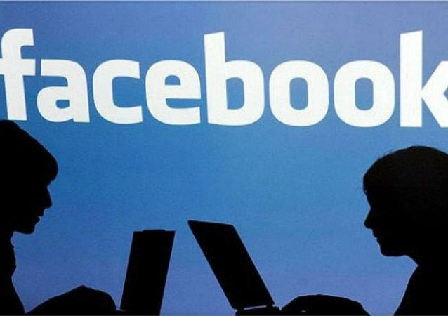 فیسبوک به جاسوسی از کاربران خود متهم شد