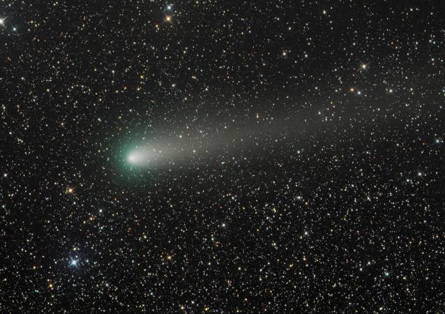 یک ستاره دنباله دار غول پیکر فراتر از زحل پیدا شد