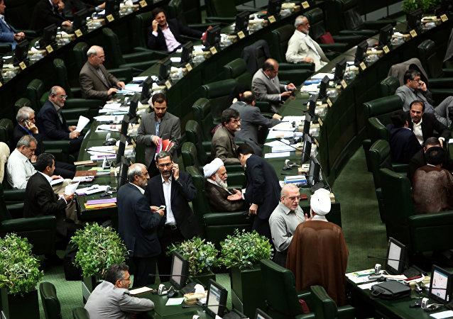 نماینده سراوان به خبرنگار توهین کرد
