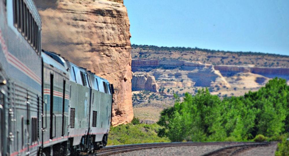خروج قطار از ریل در آمریکا کشته و زخمی برجای گذاشت + تصاویر