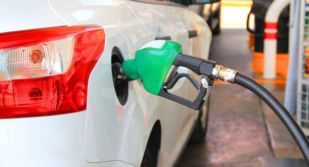 پمپ بنزین های تهران، محلی برای خرید و فروش کارت سوخت