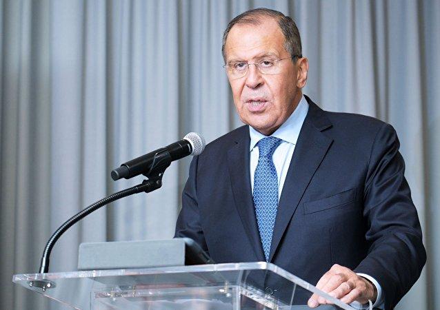 لاوروف: روسیه از ایران و کشورهای حاشیه خلیج فارس خواست تا مذاکره کنند