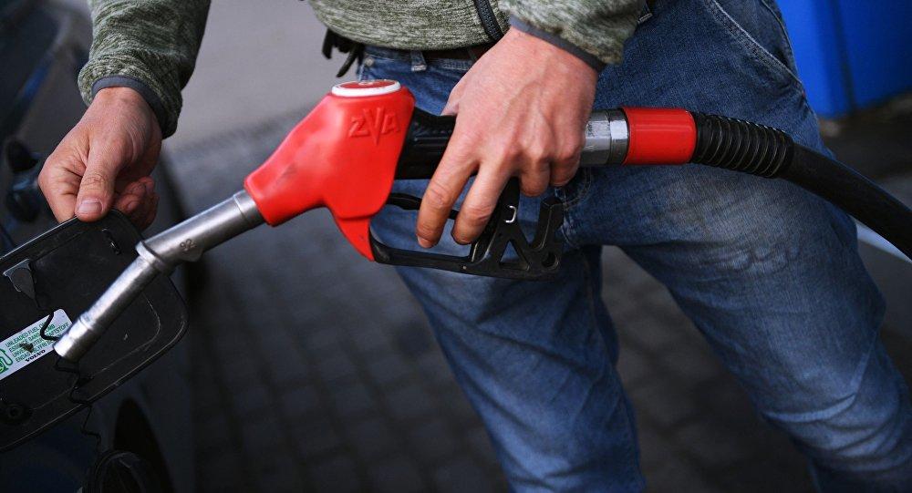 برای جلوگیری از قاچاق بنزین در ایران چکار باید کرد؟