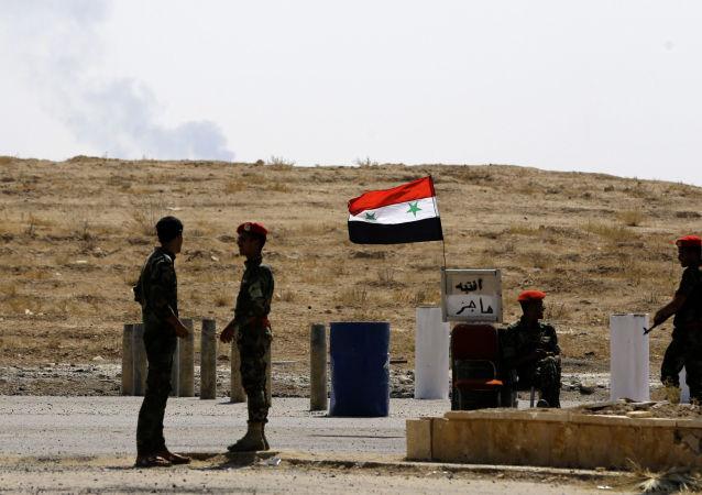 حمله ائتلاف آمریکایی به مبارزین سوریه در حین عملیات علیه داعش