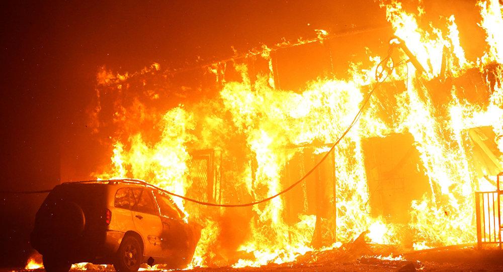 افزایش تعداد قربانیان آتش سوزی ها در کالیفرنیا+ ویدئو