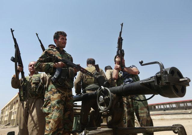 پیشمرگه: «داعش در جستجوی راههای عقب نشینی از سنجار می باشد»