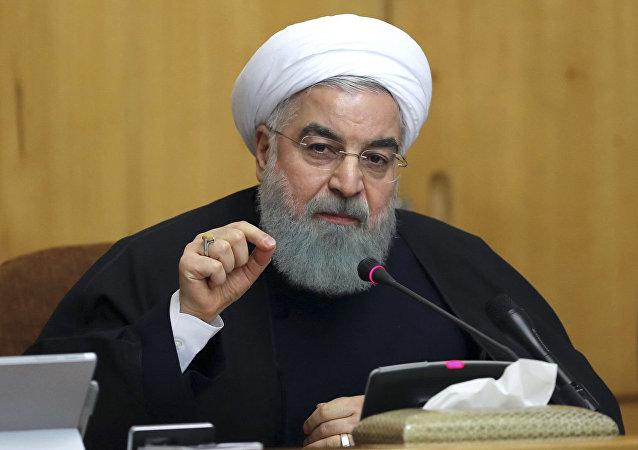 روحانی: امیدواریم آمریکا دست به کار اشتباهی نزند