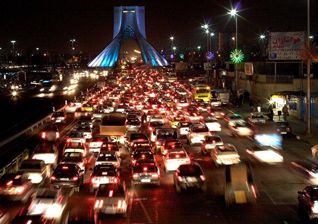 خودروی طهرانچی دو نفر از دانشجویان را در ایران زیر گرفت+ ویدیو