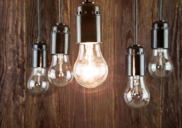 عذرخواهی سخنگوی صنعت برق در پی قطعی مکرر برق