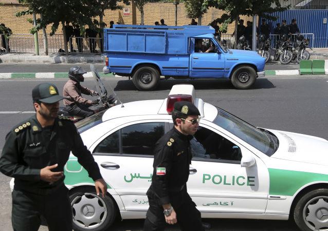 زورگیران اتوبان کرج - قزوین به دام پلیس افتادند