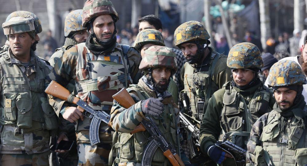 هند راه ارتباطاتی و اینترنت را در کشمیر قطع کرد