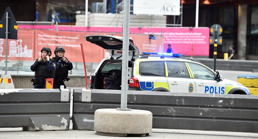 انفجار اتوبوس در مرکز استکهلم + عکس