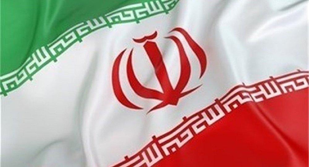 انتقاد کاربران از پرچم وارانه ایران روی میز مذاکره در پاکستان +عکس