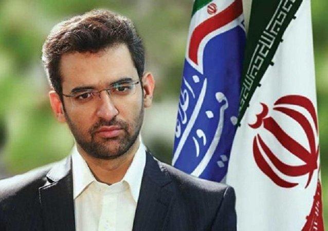 کارت زرد مجلس شورای اسلامی ایران به آذری جهرمی