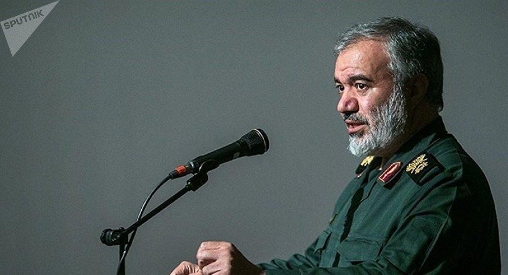 جانشین فرمانده کل سپاه : کارکنان ناوهای آمریکایی خلیج فارس مجبورند فارسی حرف بزنند