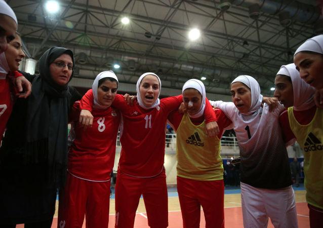 اولین زن فوتبالیست ایران در لیگ عراق