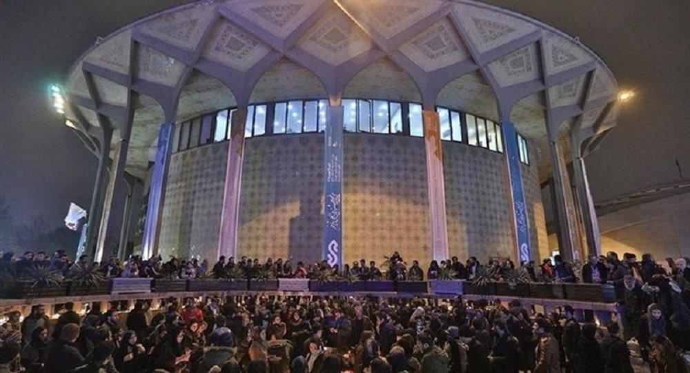 نزاع خیابانی و تیراندازی در محوطه تئاتر شهر تهران