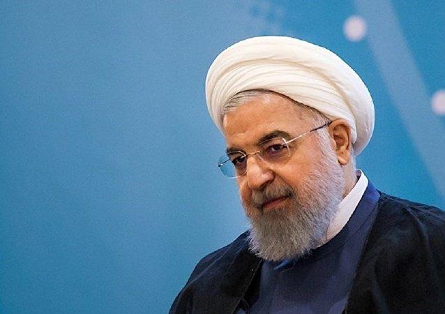 روحانی در تماس تلفنی با اردوغان: آمریکایی ها اشتباه بزرگی مرتکب شدند