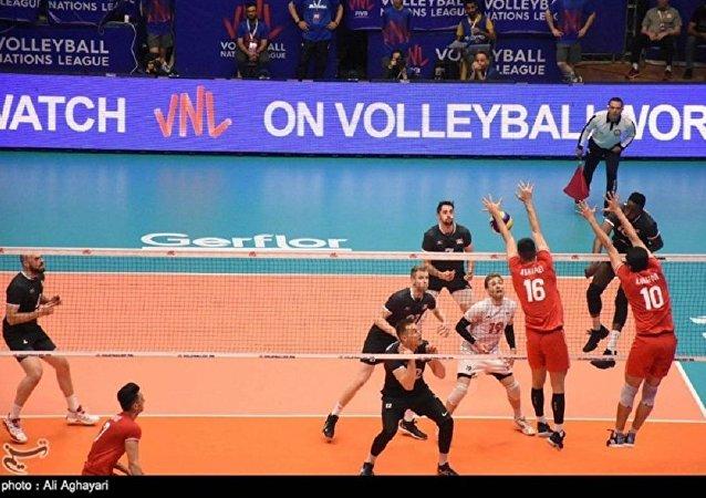 پخش ترانه محلی ایرانی مفهومی در سالن مسابقات جهانی والیبال جوانان ایتالیا +ویدئو