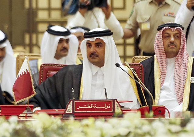 امیر قطر برای دیدار با روحانی وارد تهران شد