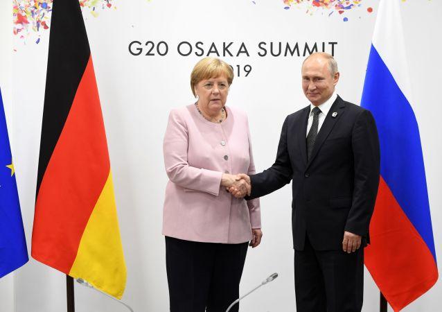 پوتین و مرکل در مورد اوضاع خاورمیانه دیدار خواهند کرد